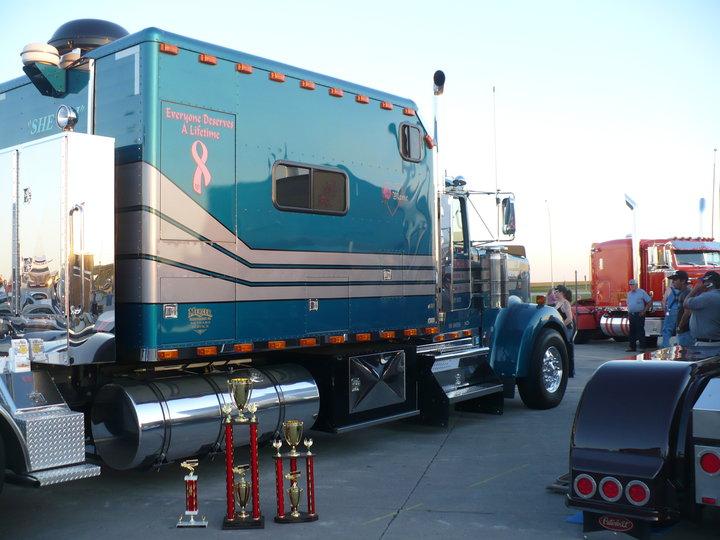 Truck appearance mercer transportation co join the for Mercer available loads